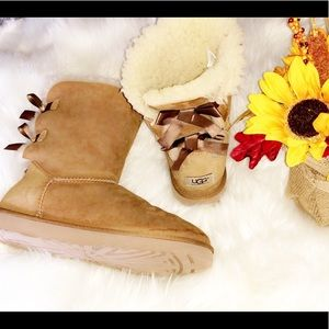 UGG Short Bailey Bow Camel Boots